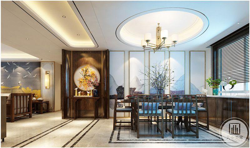 餐厅玄关的一侧采用中式装饰画,一侧的窗户采用黑檀木柜门。