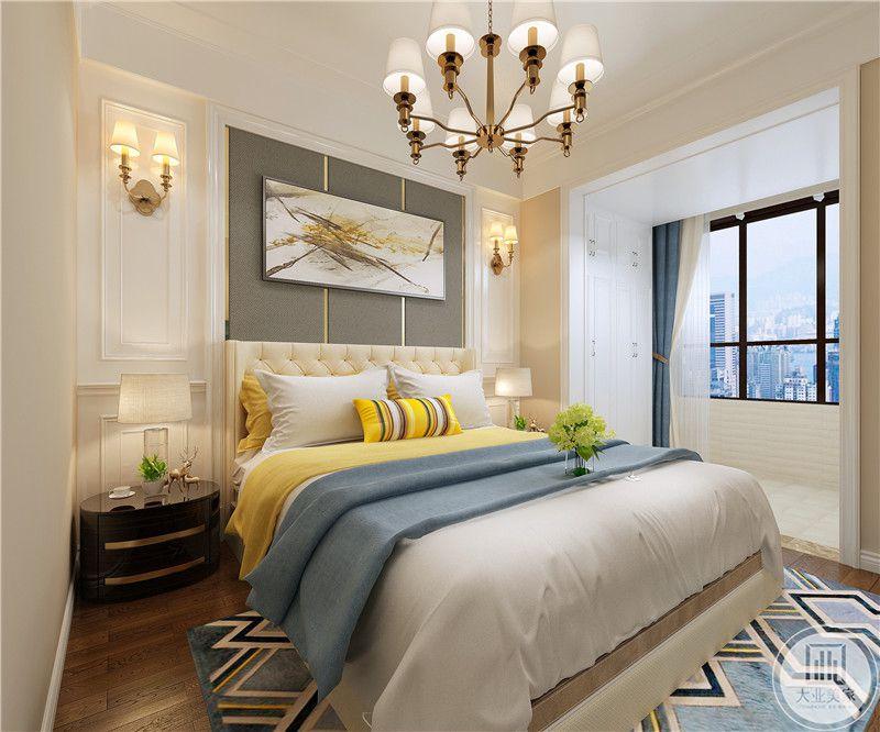 床头背景墙以灰色为主,搭配欧式抽象画,两侧使用壁灯搭配黑色实木床头柜。