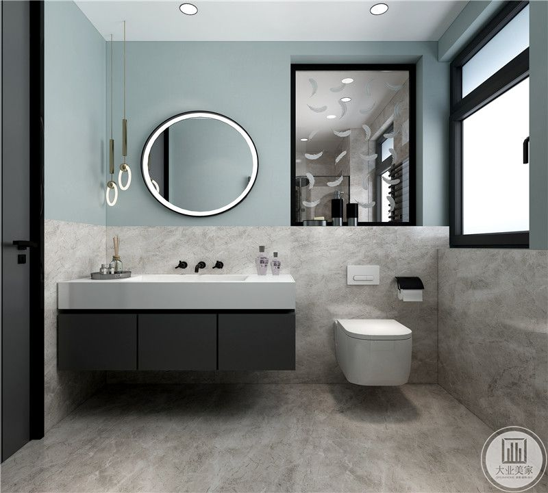 主卫生间上半部分使用绿色防水漆,下半部分和地面采用浅色瓷砖。