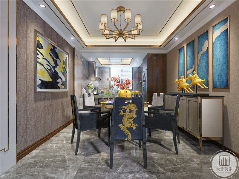 餐厅装修效果图:圆形金属餐桌搭配蓝色金属餐椅,一侧白色橱柜,上面金色装饰物。