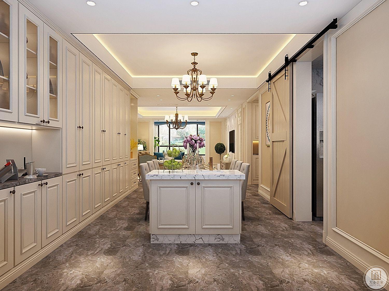厨房相对的位置就是小吧台,提高实用性的同时还增加了收纳。